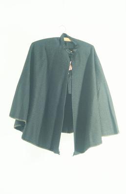 Shoulder cape