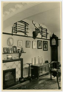 Interior of the home of Captain John Frissell…
