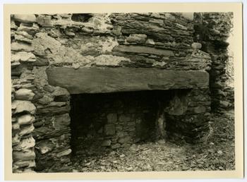 Hearth in Ballabeg farmhouse, Ballaugh, in ruins