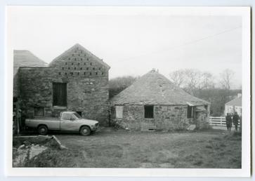 Seafield house covered horsewalk, Santon