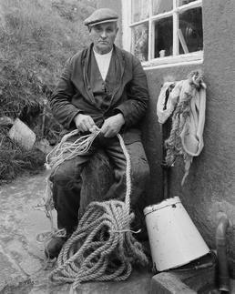 'Willie' Cain, making rope
