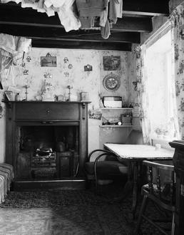 Cottage interior, Slieau Whallian