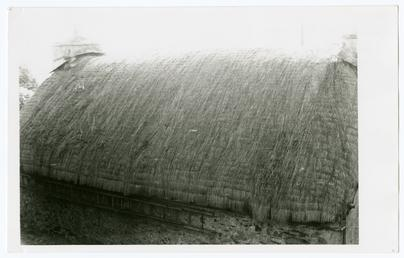 Thatched roof at Cot ny Greinney cottage, Beach…