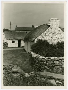 Cregneash Harry Kelly's Cottage & spinning wheel maker's…