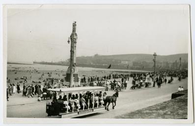 Harris Promenade and Cenotaph, Douglas