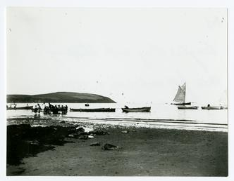 Douglas Bay and shipping