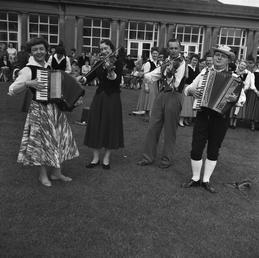 Folk dancing, Villa Marina, Douglas