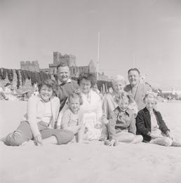 Peel Holidaymakers with Frank Roberts