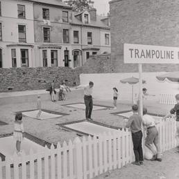 Trampoline, Crescent site