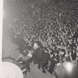 Crowds for The Rolling Stones at the Palace