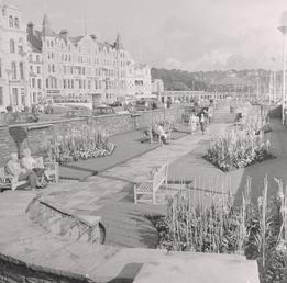 Douglas Promenade sunken gardens