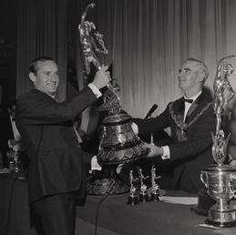 Mike Hailwood with Senior TT trophy, TT presentations,…