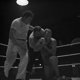 Wrestling, Palace, Douglas