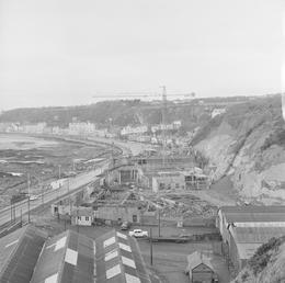 Construction of Summerland, Douglas
