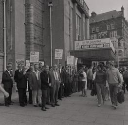 G.P.O. strike picket, Villa Marina