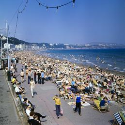 Holidaymakers on Douglas beach