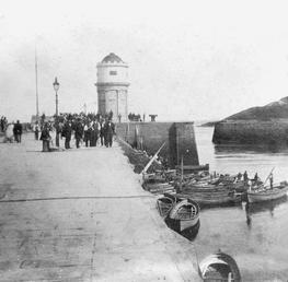 Lighthouse, Red Pier, Douglas, Isle of Man
