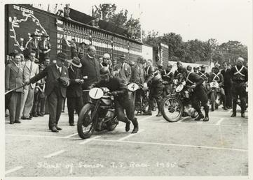 Start of 1935 Senior TT (Tourist Trophy)