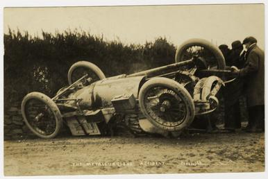 Smash at the 1908 Tourist Trophy motorcar race