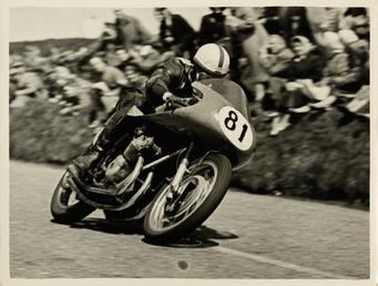 John Surtees riding as number 81 at Kate's…