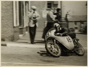 Fron Purslow, aboard 124cc Ducati (number 18), 1958…