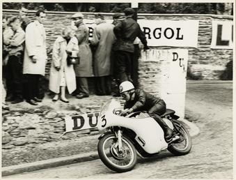 Jack Wood, TT (Tourist Trophy) rider rounding Governor's…