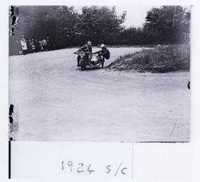 Sidecar rounding Ramsey Hairpin, 1924 TT (Tourist Trophy)