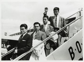 1959 Honda team disembarking from a BOAC aircraft,…