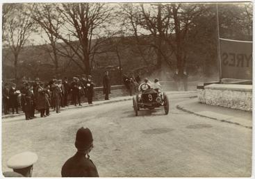 Selwyn Francis Edge in a Napier, 1904 Gordon…