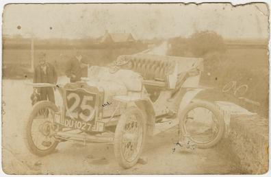 Practice crash, 1907 Tourist Trophy motorcar race