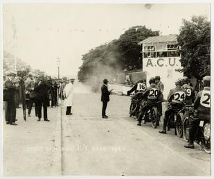 Start of 1921 Junior TT (Tourist Trophy)