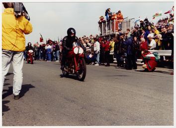 250cc Moto Guzzi 'Gambalunghino' ridden by John Kidson,…
