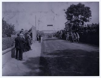 Race finish at Quarterbridge Road, 1906 Tourist Trophy…