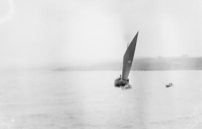 Sailing boat [PL63]