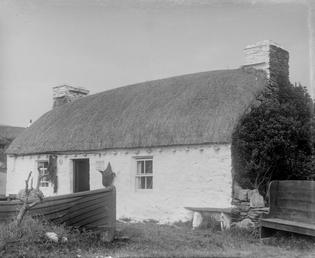 Harry Kelly's thatched cottage, Cregneash