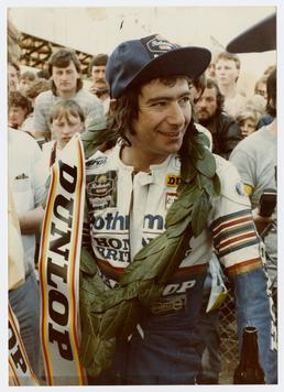 Dunlop, Joey