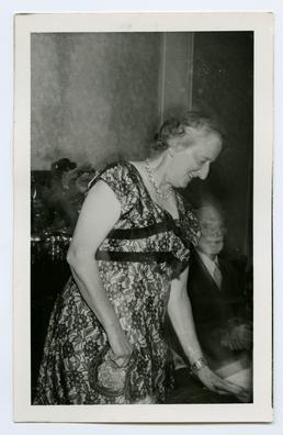 Gill, Joyce