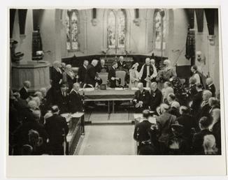 George VI and Elizabeth in Tynwald Court