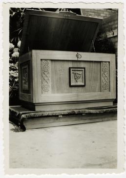 Oak chest designed by W.T. Quayle FRICS, FIAA…