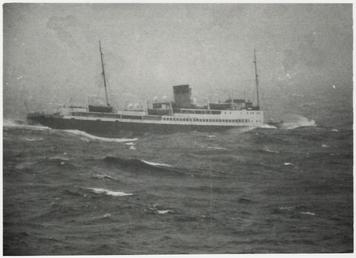 'King Orry' leaving Douglas on the 9am sailing