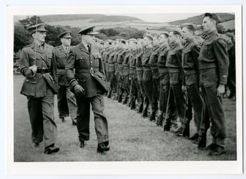 Air Vice Marshal Sir Geoffrey Bromet, inspects the…