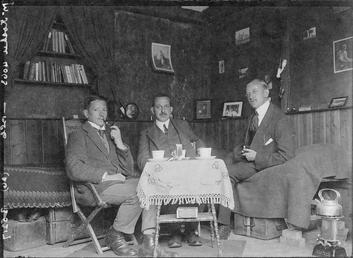 First World War internees inside an internment chalet,…