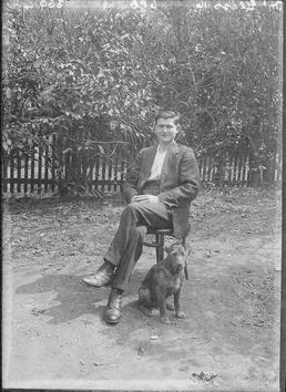 First World War Internee and his Dog in…